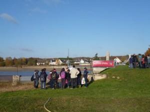 procession de scolaires à chaque vidange d'étang